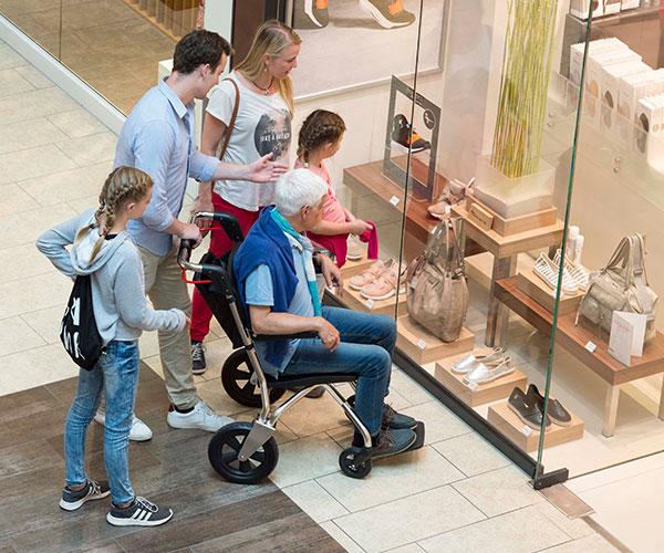 seniorenstuhl sam einkaufszentrum