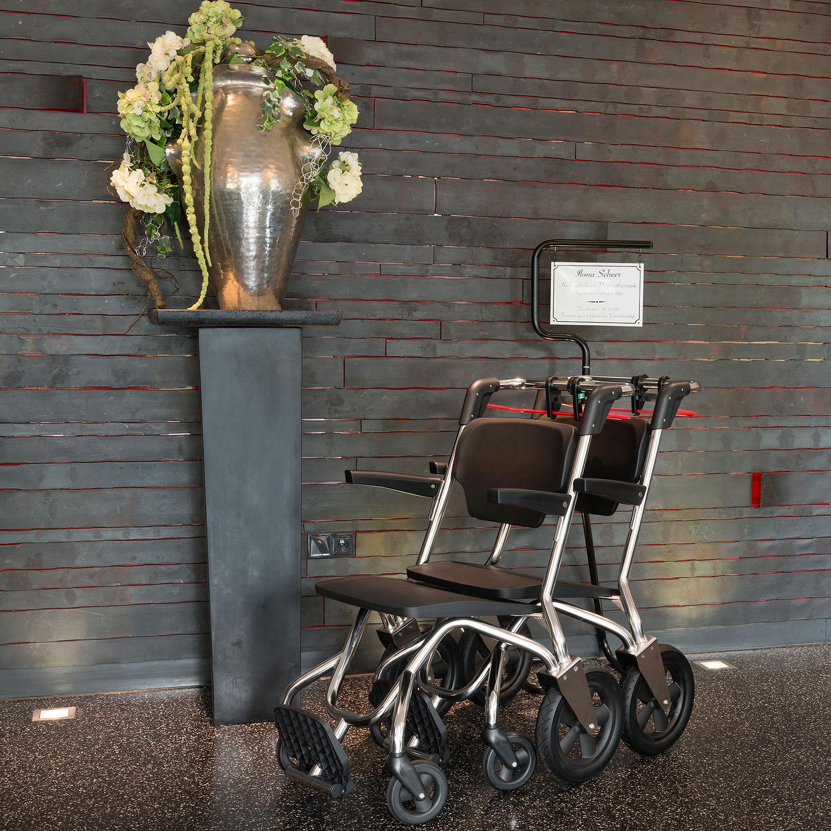 Hotel barrierefreier Stuhl